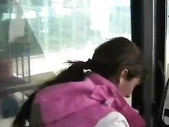 Загорелая туристка на отдыхе предложила секс мускулистому незнакомцу