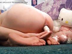 Перед вебкамерой домашняя анальная мастурбация молодой азиатки