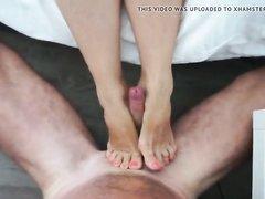 Фут фетиш от первого лица и домашнее окончание на ноги зрелой блудницы